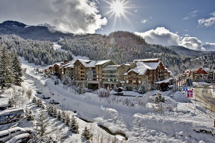 360 VR Virtual Tours of the Whistler Resort Apartment