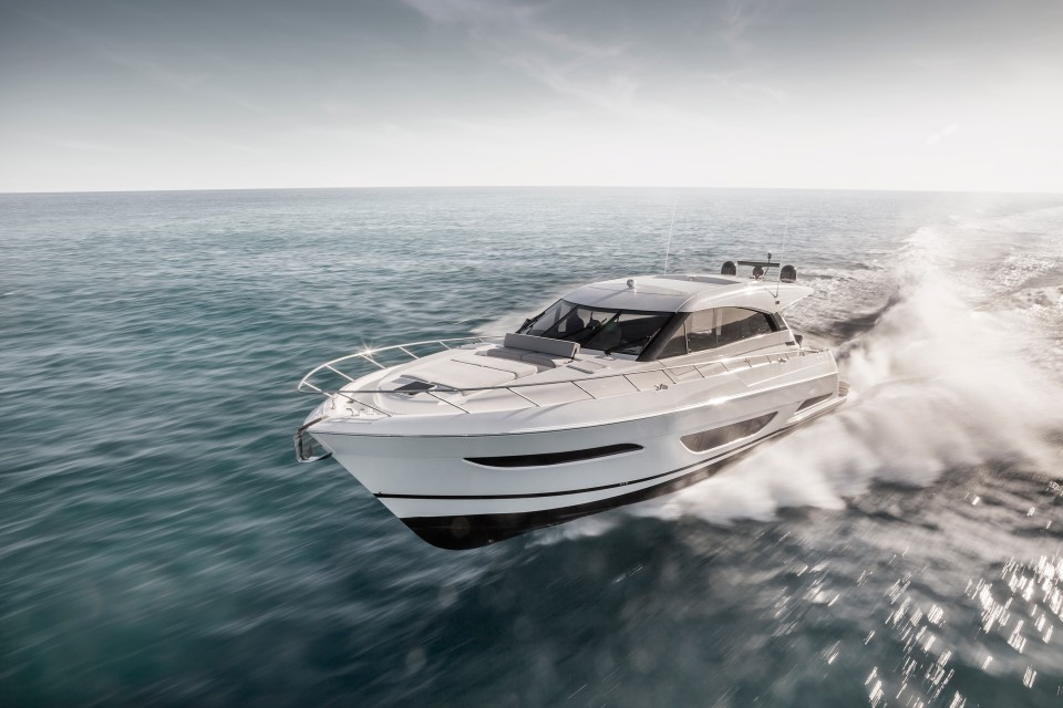 360 VR Virtual Tours of the Maritimo X60